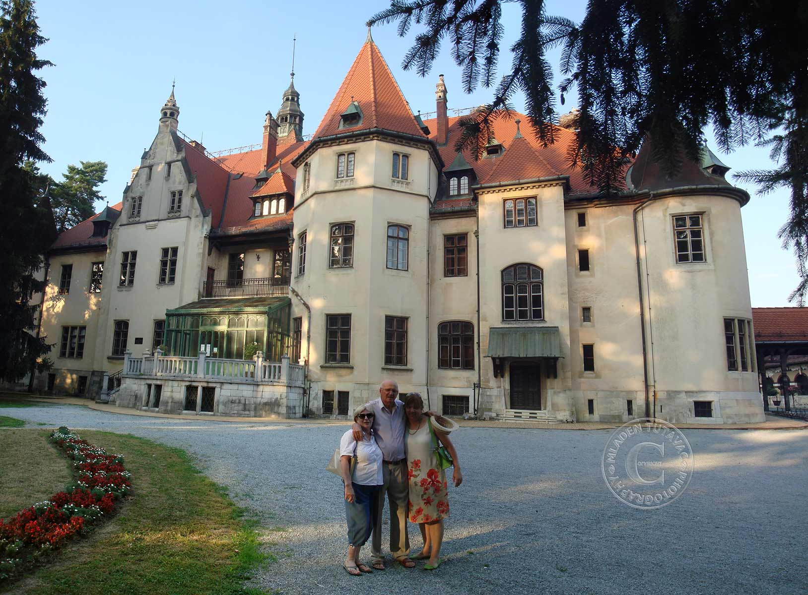 tour guide:The Mailath castle in Donji Miholjac